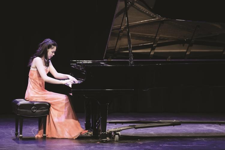 Juilliard Student Recital: Carmen Jessica Knoll